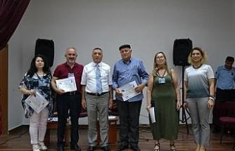 Eskişehirli sanatçılar hükümlü ve tutuklulara 'şiir dinletisi ve halk müziği konseri' verdiler