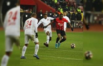 Galatasaray'ın peşinde olduğu Jesse, Süper Lig yıldızlarına fark attı