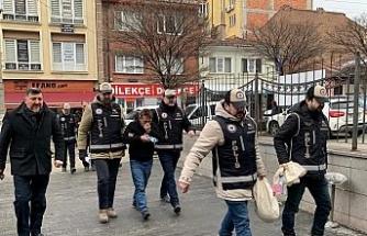 Eskişehir'de piyasa değeri 65 bin TL olan sahte Euro ele geçirildi