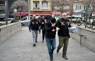 Yaşlı şahsı dolandıran 4 şüpheli tutuklandı