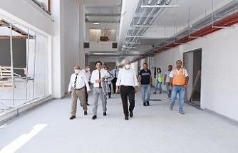 EOSB Yönetimi, Özel EOSB Mesleki ve Teknik Anadolu Lisesi ana kampüs inşaatında incelemelerde bulundu