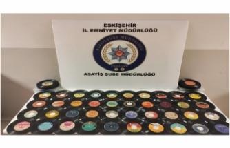 90 bin lira değerindeki plakları çaldığı iddia edilen şüpheli tutuklandı