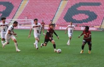 Kırmızı Şimşekler Kupa'da tur atladı
