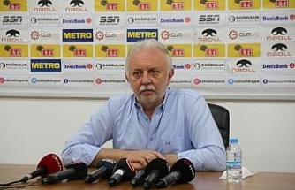 Eskişehirspor Divan Kurulu Başkanı Çelikoğlu eski yönetimleri hedef aldı