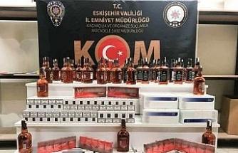 Eskişehir'de 42 şişe sahte içki ve 870 paket kaçak sigara ele geçirildi