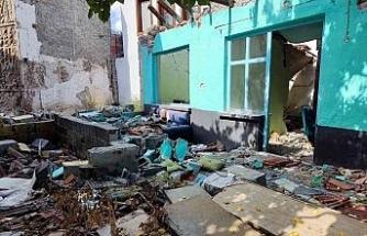 Eskişehir'in en gözde turistik bölgesinde metruk ev tehlike saçıyor