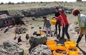 Karacahisar Kalesi'nin yüzde 10'luk kısmına ulaşıldı