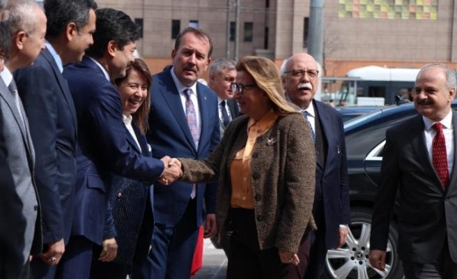 Ticaret Bakanı Pekcan Eskişehir'de