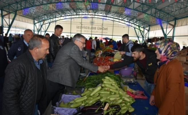 Başkan Bozkurt Ramazan'ın ilk pazarında esnafla buluştu