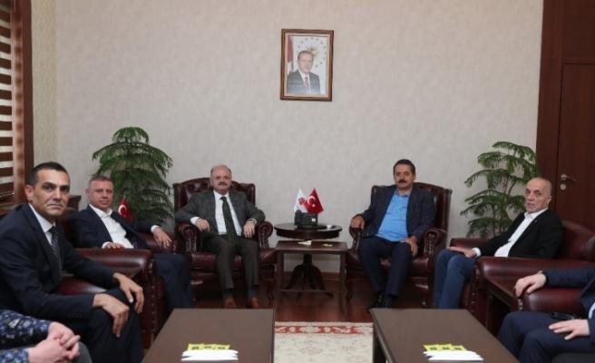Eski Bakan Çelik ve TÜRK-İŞ Genel Başkanı Atalay Vali Çakacak'ı ziyaret etti