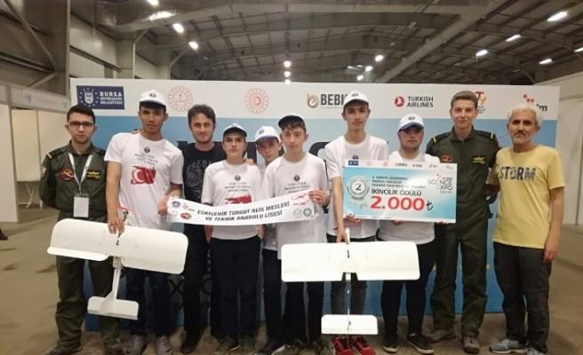 Eskişehir Turgut Reis Mesleki ve Teknik Anadolu Lisesi'nin ''Model Uçak Kulübü'nün başarısı