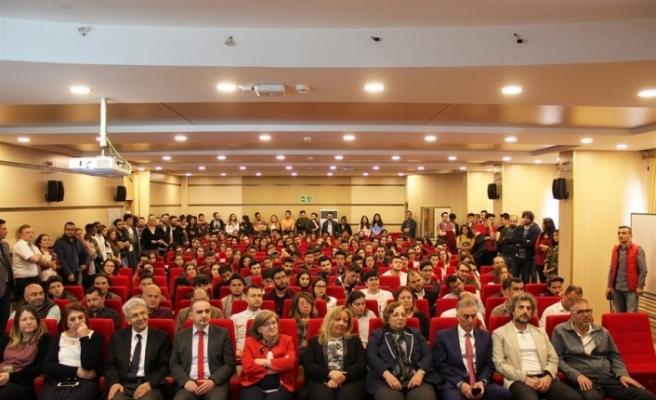 ESTÜ'de Onur ve Yüksek Onur Belgeleri takdim töreni