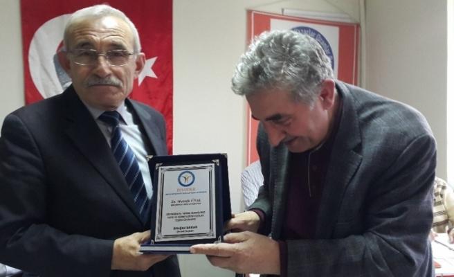 EŞYODER'den şair Mustafa Ünal'a ödül