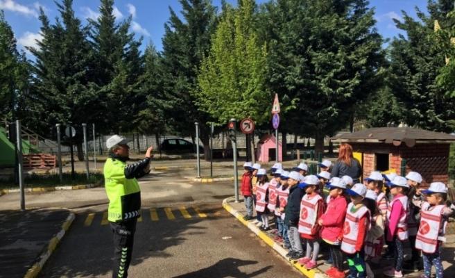 İl Emniyet Müdürlüğünden miniklere trafik eğitimi