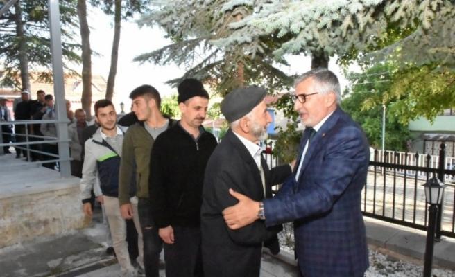 Başkan Bozkurt vatandaşlarla bayramlaştı
