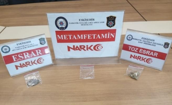 Kente uyuşturucu sokmak isteyen 3 kişi yakalandı
