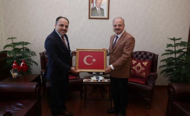 Vali Çakacak, Türkiye Şeker Fabrikaları A.Ş. Genel Müdürü Alkan'ı kabul etti