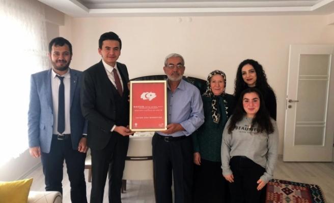 AK Parti Tepebaşı Gençlik Kolları'ndan gazilere ziyaret
