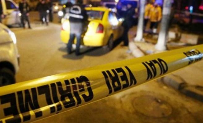 Eğlence merkezine silahlı kavga: 2 yaralı
