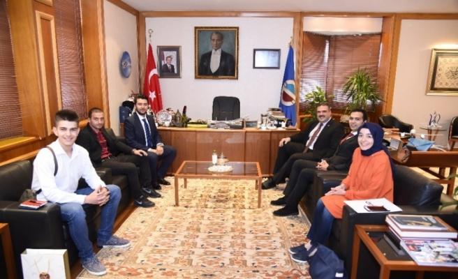 Genç MÜSİAD Eskişehir'den Rektör Çomaklı'ya ziyaret