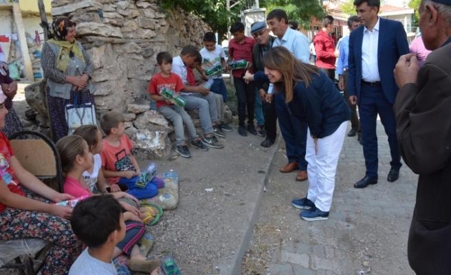Prof. Dr. Günay ilçe ve köy gezilerine devam ediyor