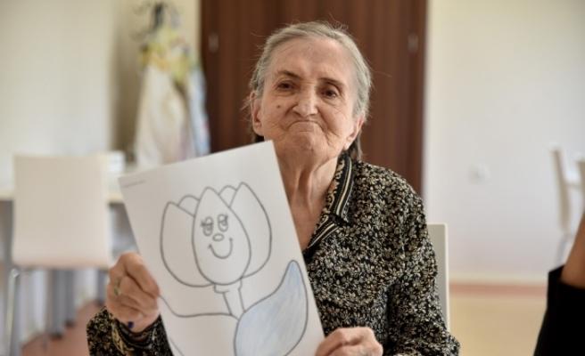 Alzheimer hastaları emin ellerde