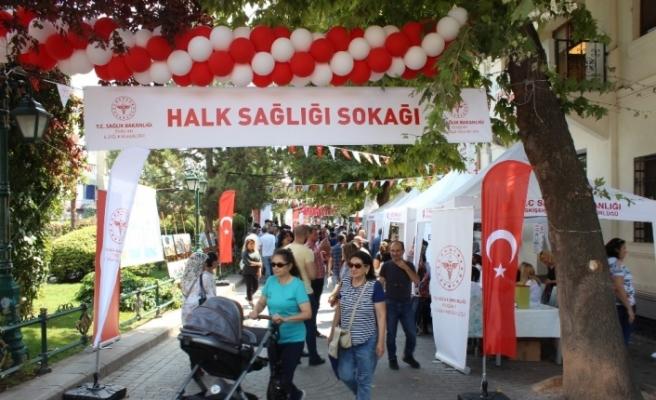 Eskişehir'de Halk Sağlığı Sokağı etkinliği başladı