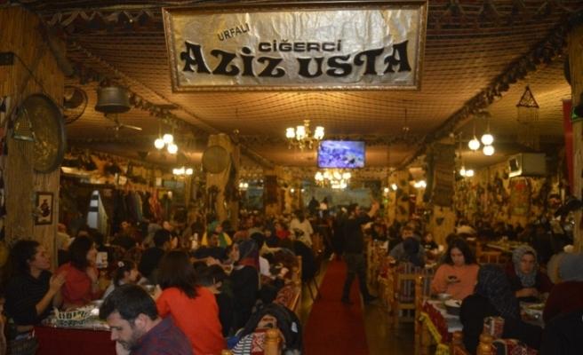 Ciğerci Aziz Usta'da öğretmenlere özel sıra gecesi