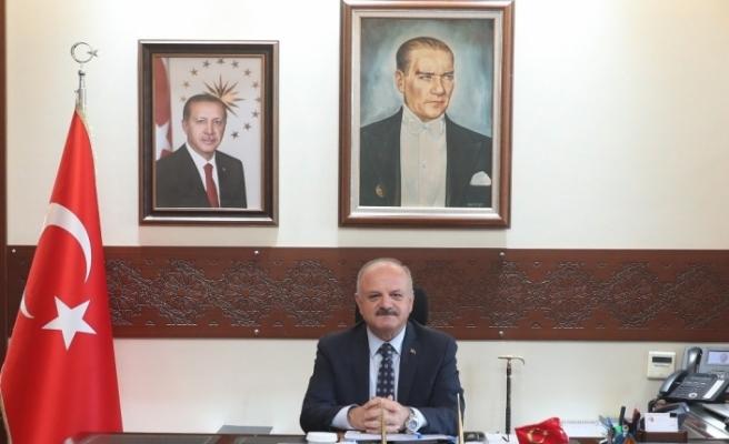 """Vali Özdemir Çakacak'ın """"10 Kasım Atatürk'ü Anma Günü"""" mesajı"""