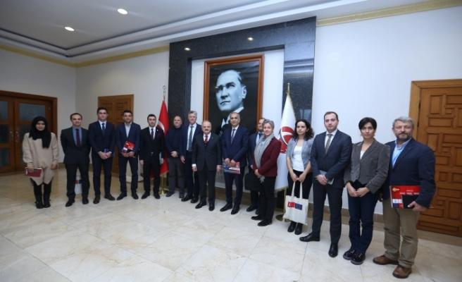 Vali Çakacak insani yardım kuruluşlarının temsilcilerini kabul etti