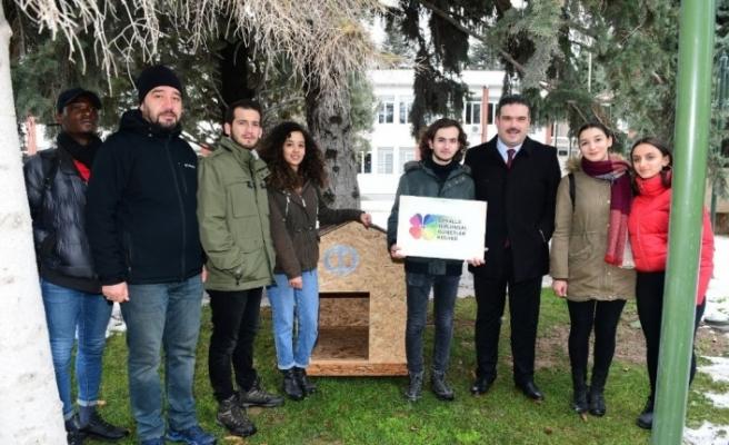 Anadolu Üniversitesinin hayvan barınaklarına tebrik