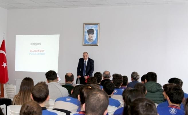 ESO Başkanı Kesikbaş'tan öğrencilere 'Girişimciliğin peşini bırakmayın' tavsiyesi