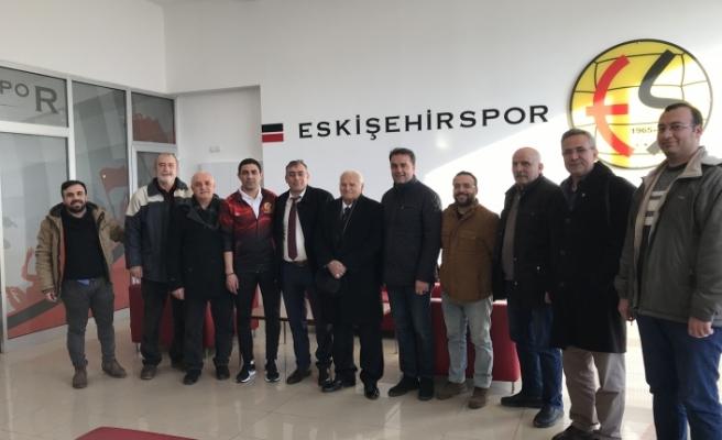 Eskişehir Siirtliler Vakfı'ndan Teknik Direktör Özer'e ziyaret