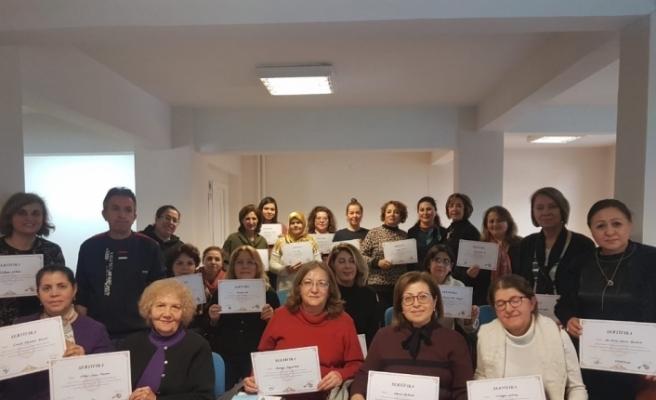 Eskişehir'de 'diksiyon, etkili iletişim ve etkili konuşma' kursunu bitiren 24 kursiyer törenle sertifikalarını aldılar