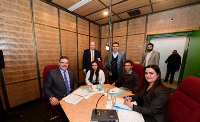 Rektör Çomaklı, TRT Türkiye'nin Sesi Radyosu'nun konuğu oldu