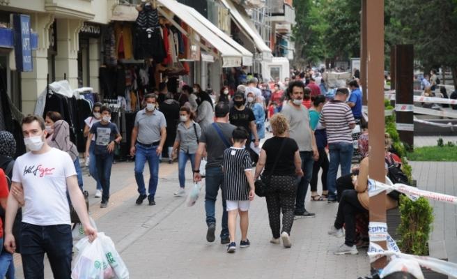Bayram telaşesi Eskişehirlileri sokağa döktü