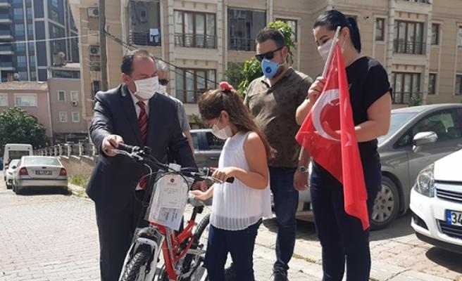 Cumhurbaşkanı Erdoğan'dan çocuklara bayram hediyesi
