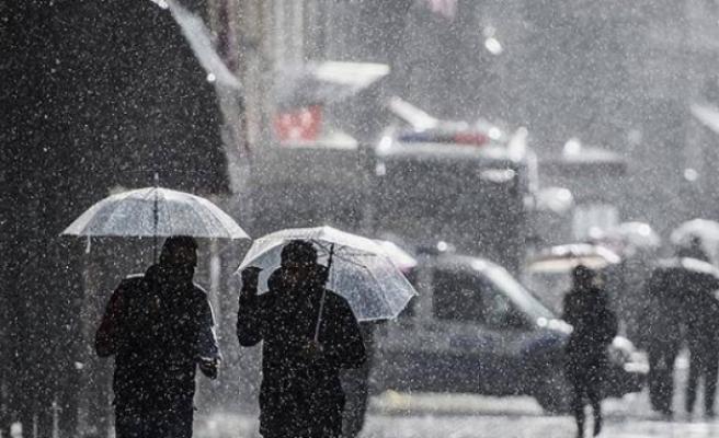 Hava durumu: Meteoroloji'den sağanak yağış ve şiddetli rüzgar uyarısı