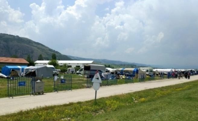 Eskişehir' de 200 nüfuslu çadır kent karantinaya alındı