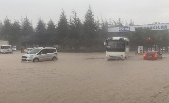Eskişehir'i sel bastı