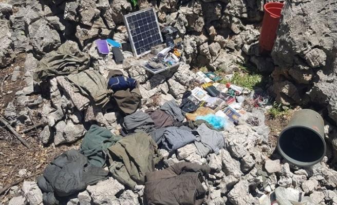 PKK'nın kış üslenmesi için hazırladığı sığınakların yerini yakalanan terörist deşifre etti