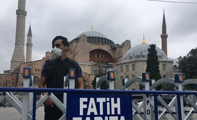 Ayasofya Camii'nde geniş güvenlik önlemleri