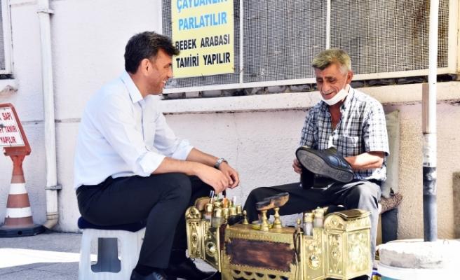 Başkan Çalışkan'dan ayakkabı tamircilerine ziyaret