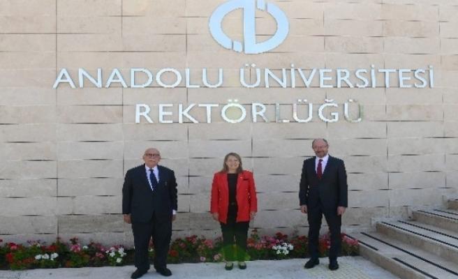 Eskişehir Milletvekilleri Avcı ve Günay'dan Rektör Erdal'a hayırlı olsun ziyareti