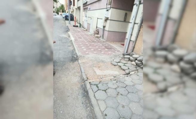Pazaryolu Sokak sakinlerinin üç yılı aşkın süredir yol ve kaldırım sorunu