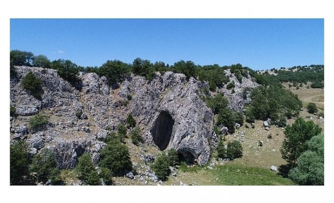 Bu mağaraya Eskişehir'den giren Bolu'dan çıkıyor