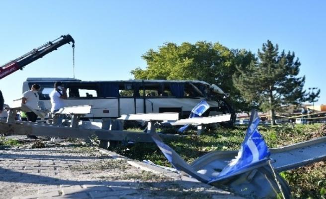 Eskişehir'de feci kaza: 2 ölü 12 yaralı