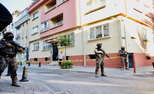 Özel Harekatın Polisinin 'dur' ihtarına uymayan 3 şüpheli kovalamacayla yakalandı