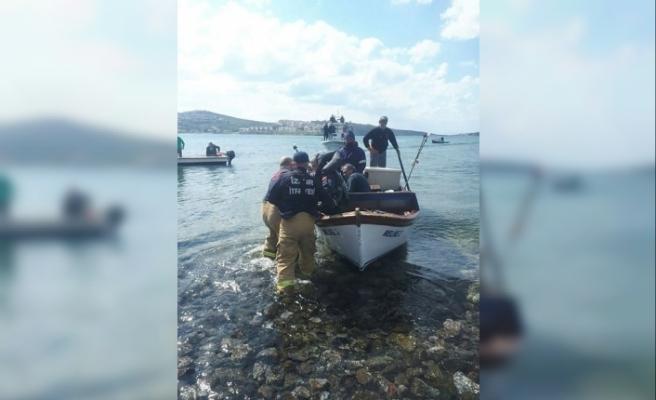 İzmir Foça'da askeri uçak denize düştü