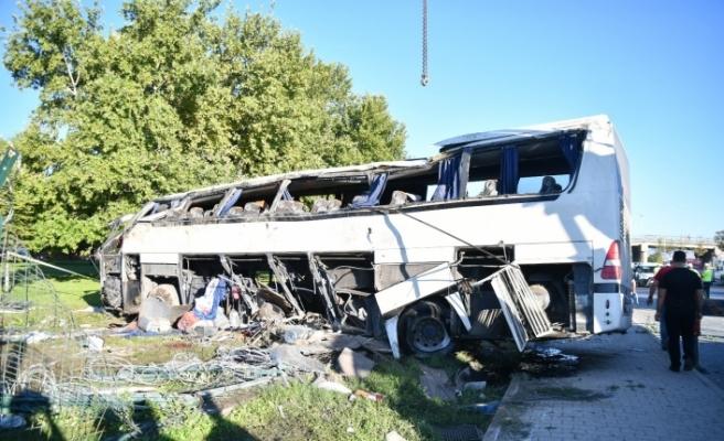 2 kişinin hayatını kaybettiği servis kazasında şoföre tahliye kararı